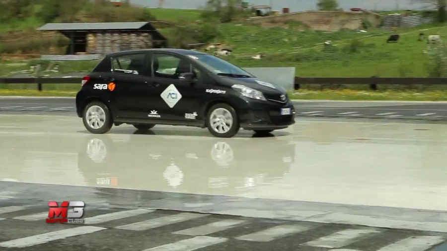 Photo of Frenata di emergenza con abs