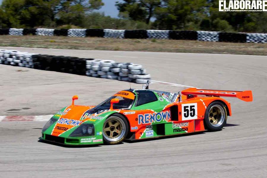 Mazda 787B (n°55)  in curva durante il test guidata da Giovanni Mancini
