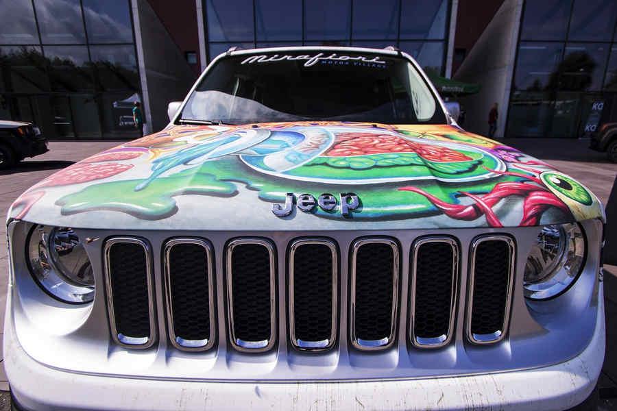 Jeep-Renegade-Italian-Tattoo-artists-2015-1