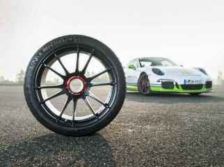 OZ_Racing_Ultraleggera_HLT