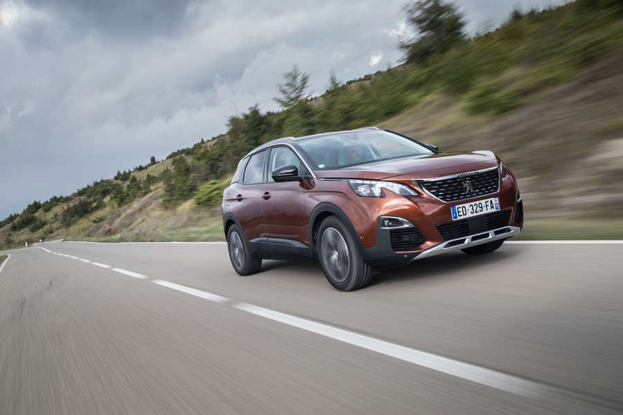 Photo of Peugeot 3008 È Auto Dell'anno 2017