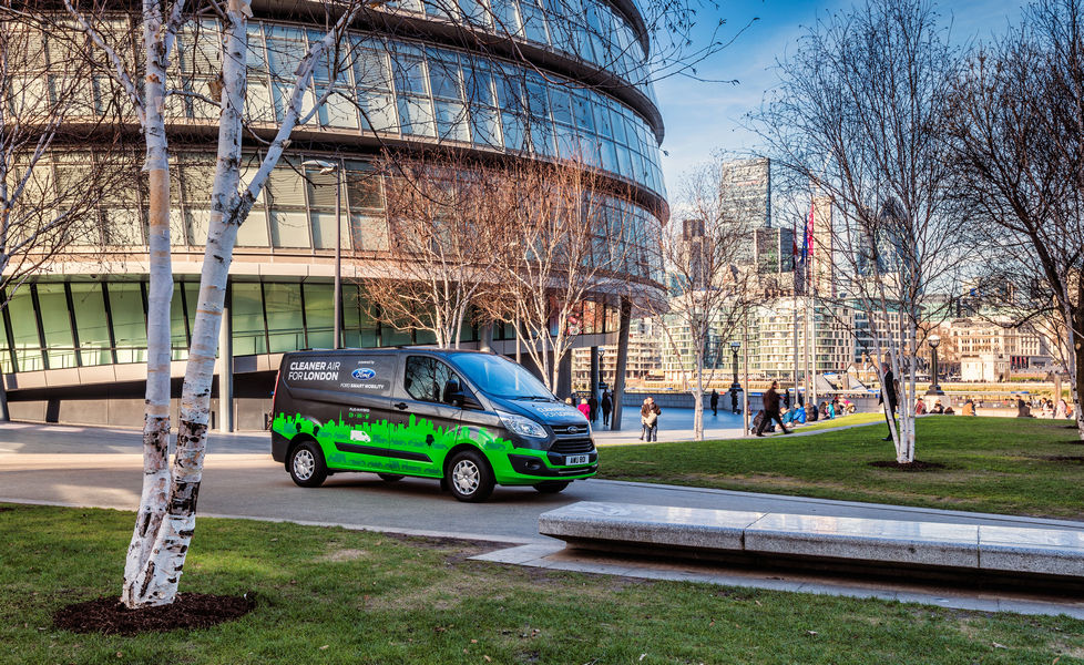 London Trials New Plug-in Hybrid Vans That Could Help to Deliver