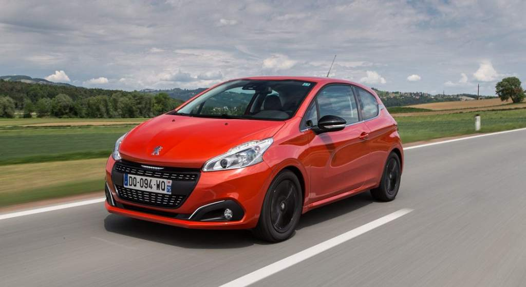 peugeot-208-3d-connected-navigation