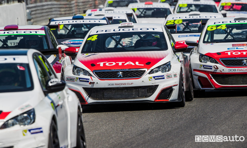 peugeot 308 racing cup corre ad imola e magny cours. Black Bedroom Furniture Sets. Home Design Ideas