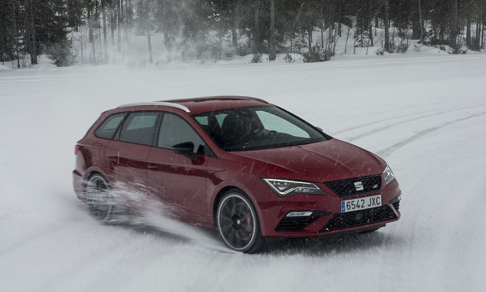Photo of Seat Leon Cupra Sfida Sul Ghiaccio