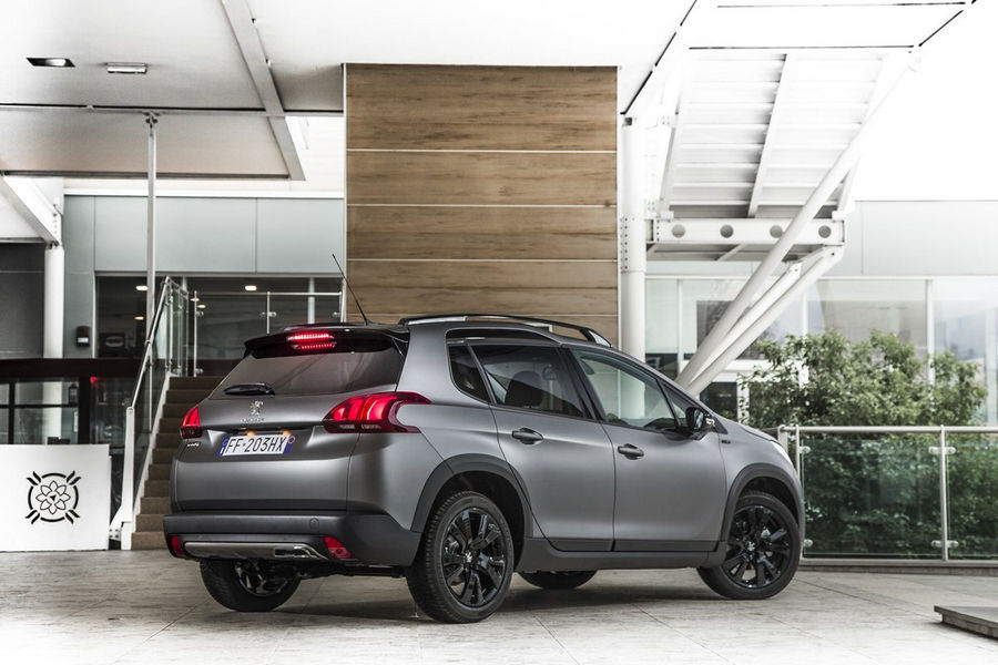 peugeot-suv-2008-black-matt-4
