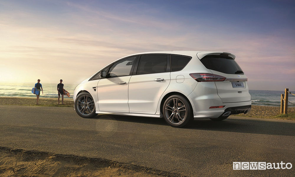 Ford-S-MAX-ST-Line-Goodwood-2017