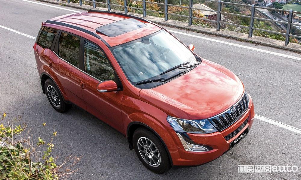 Mahindra-XUV500-W10-3