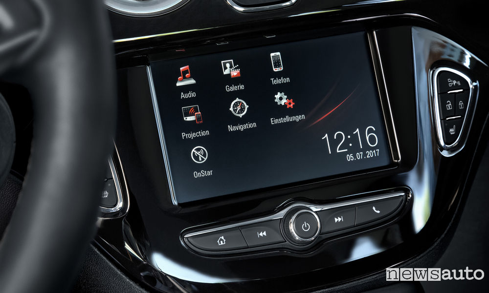 Opel Navi 4.0 IntelliLink lo schemo touch