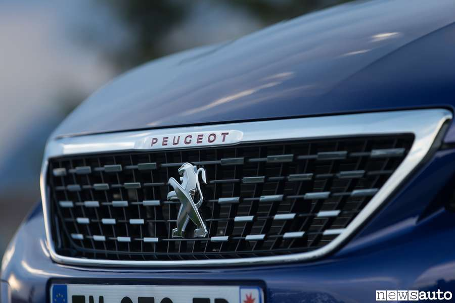 Photo of Foto e dettagli tecnici Peugeot 308 Restyling
