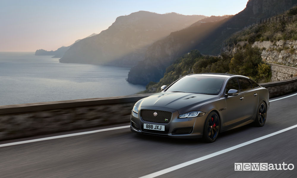 Photo of Nuova Jaguar XJ