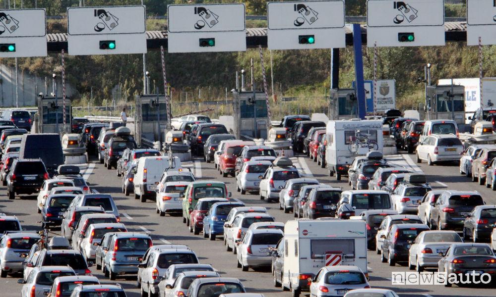 Traffico, casello autostrada