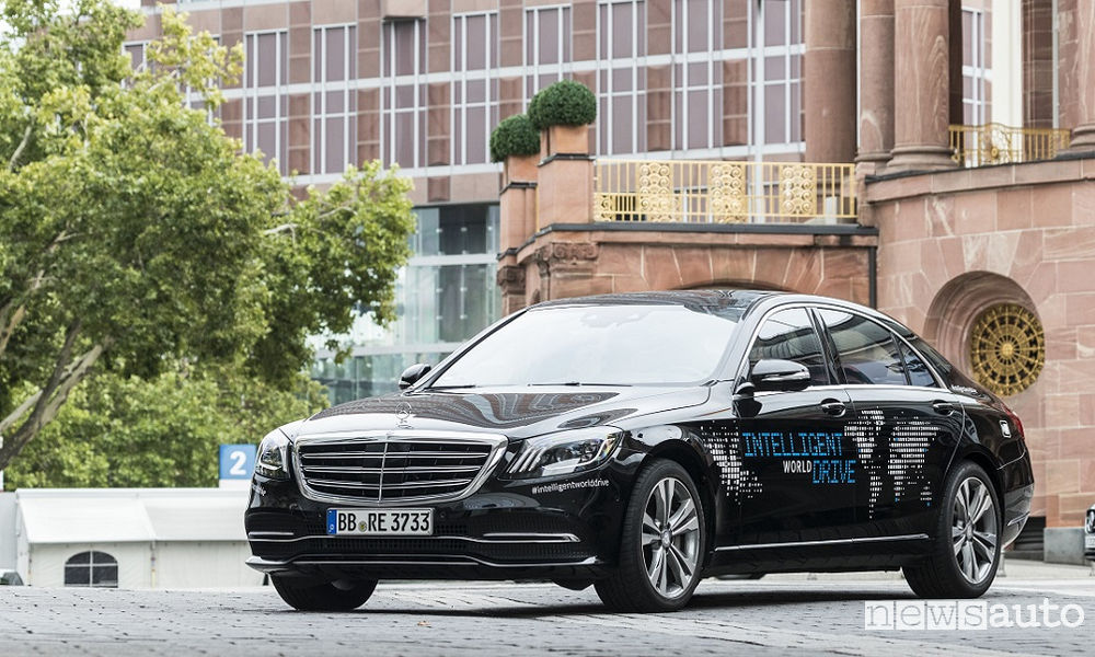 Photo of Mercedes-Benz Intelligent World Drive test guida autonoma