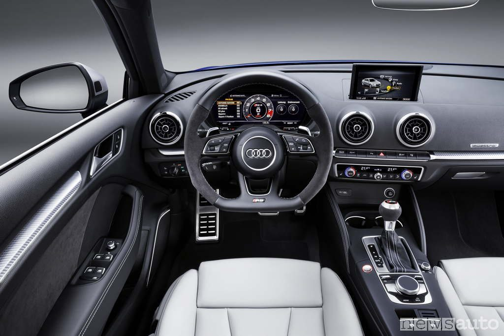 Abitacolo Audi RS3 cockpit interno