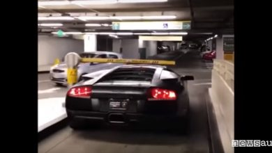 Lamborghini parcheggia gratis
