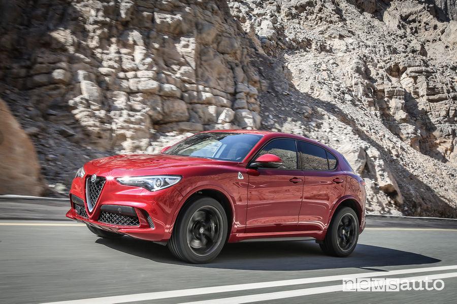 SUV ad alte prestazioni 2019 Alfa Romeo Stelvio Quadrifoglio