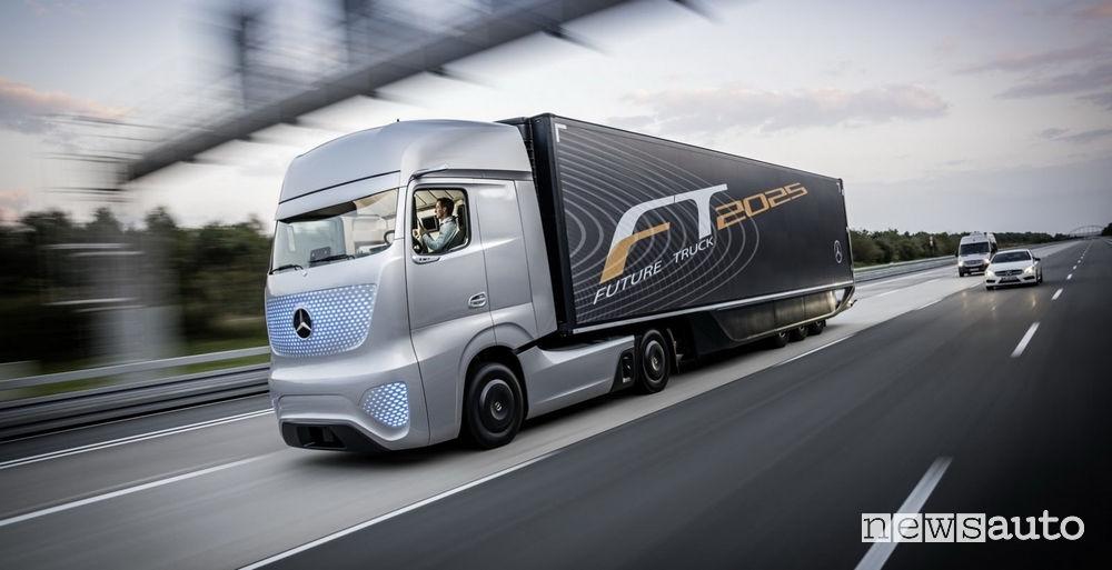 guida autonoma Mercedes-Benz truck