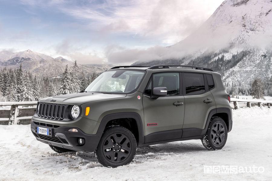 jeep renegade 2018 pi connessa e con pi personalizzazioni. Black Bedroom Furniture Sets. Home Design Ideas