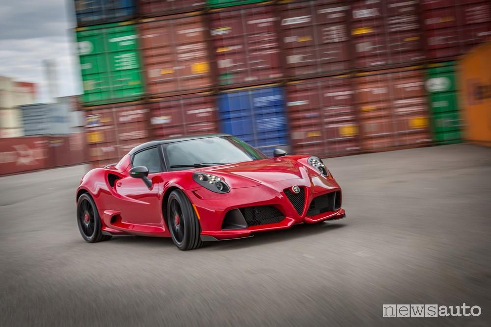 Frontale Alfa Romeo 4C kit estetico tuning