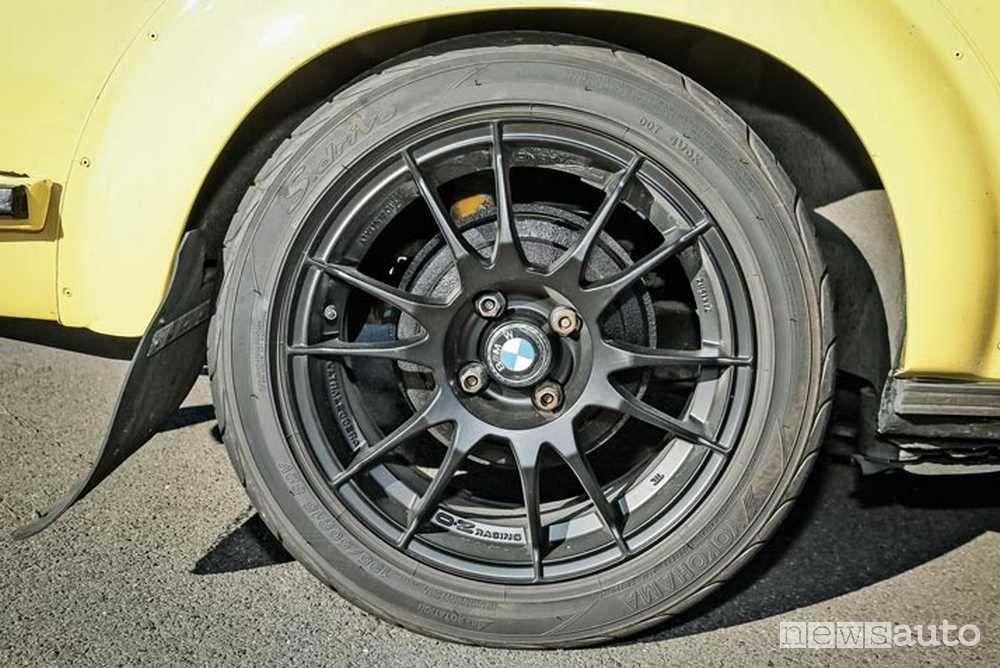 BMW 2002 Tii ruote