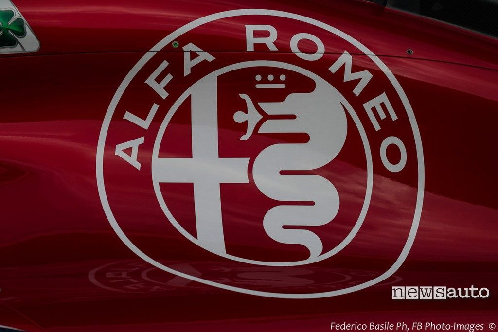 Logo Alfa Romeo Sauber C37