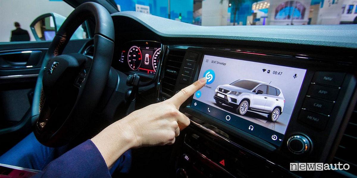 Shazam in auto, Seat Mobile World Congress