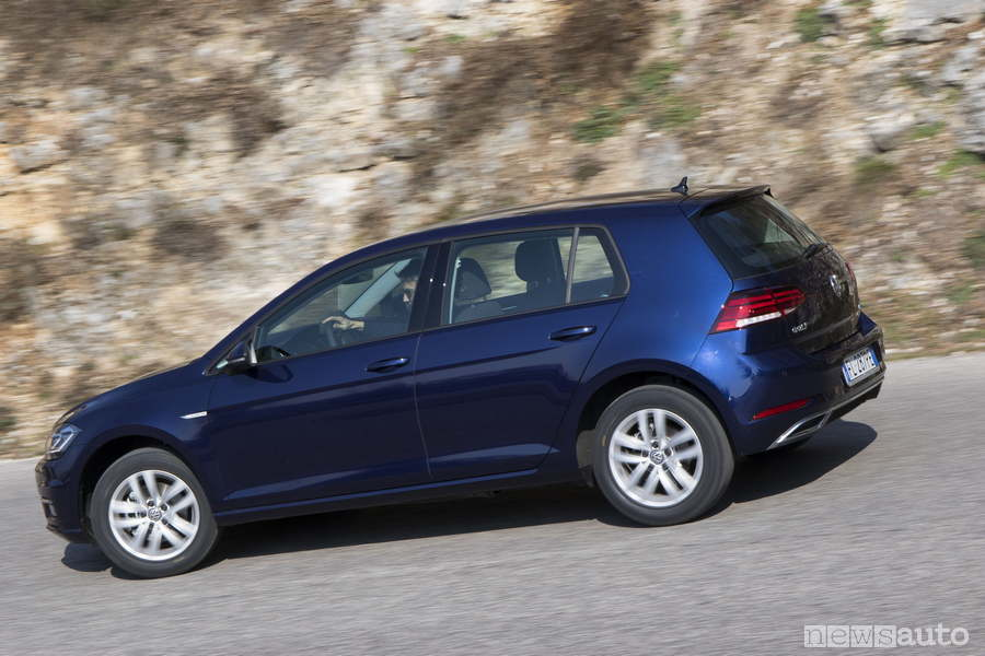 VW-GOLF-TGI-metano-2018-laterale (1)