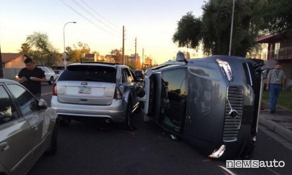 Incidente auto a guida autonoma Uber