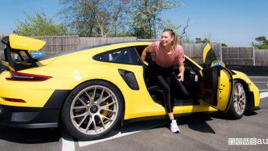 Photo of L'urlo della Sharapova nella Porsche 911 GT2 RS