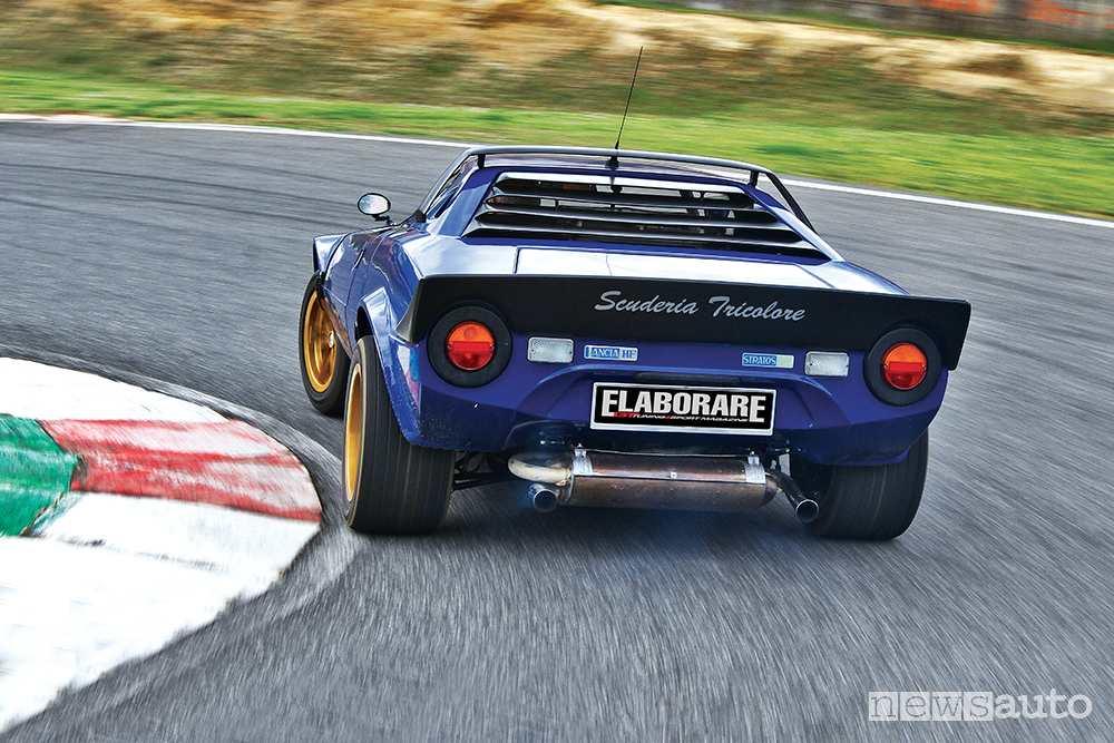 Lancia Stratos vista posteriore
