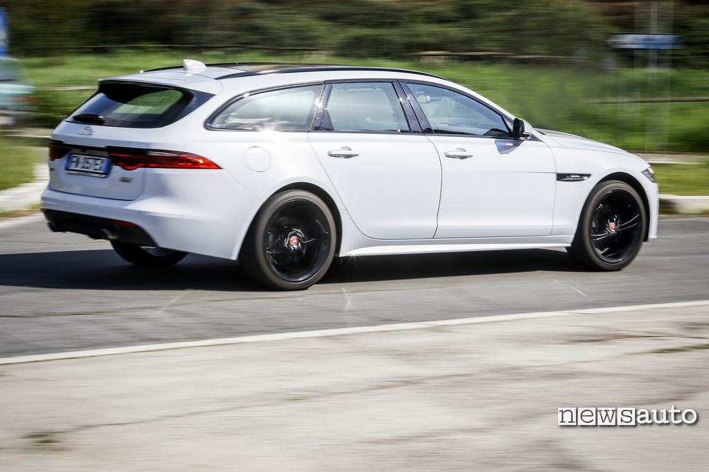 Jaguar xf sportbrake 25d come va