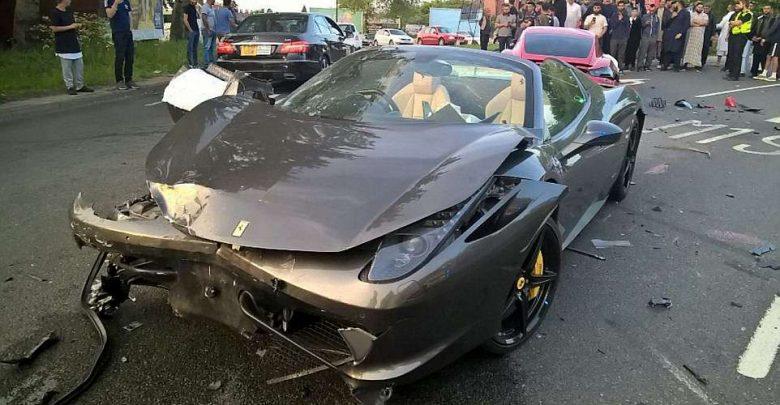 Incidente tra supercar Ferrari contro Porsche Sinistro Stradale Estero