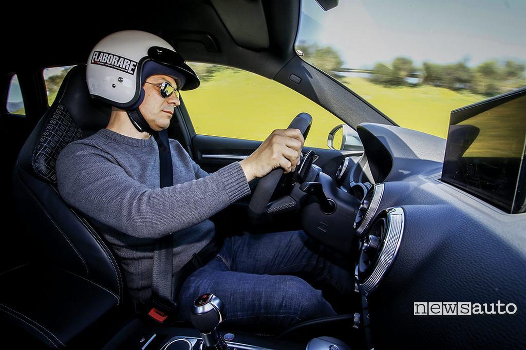 Audi RS3 come va posizione di guida abitacolo pilota Mancini