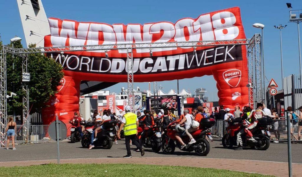 World Ducati Week Misano 2018 arco ingresso