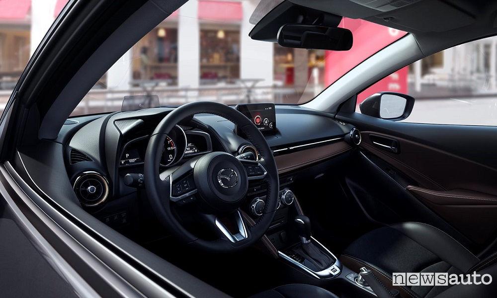 Abitacolo volante interni Mazda2 2017 2018