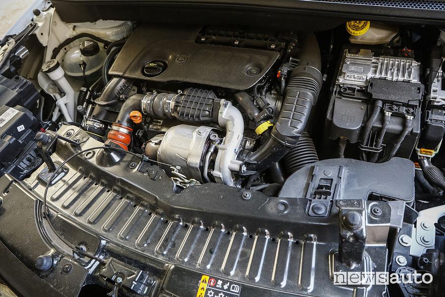 Opel Crossland X, vano motore
