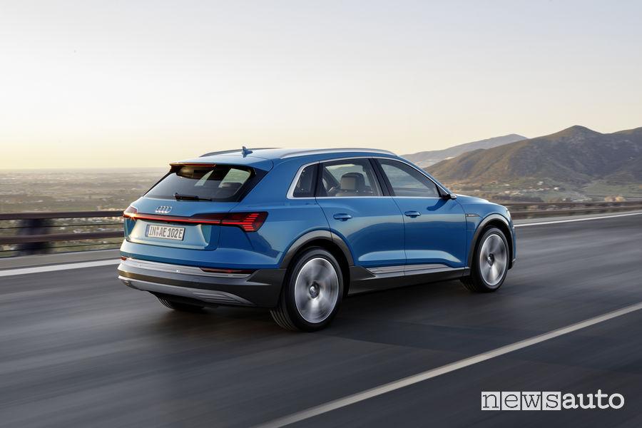 Audi e-tron blue, vista posteriore