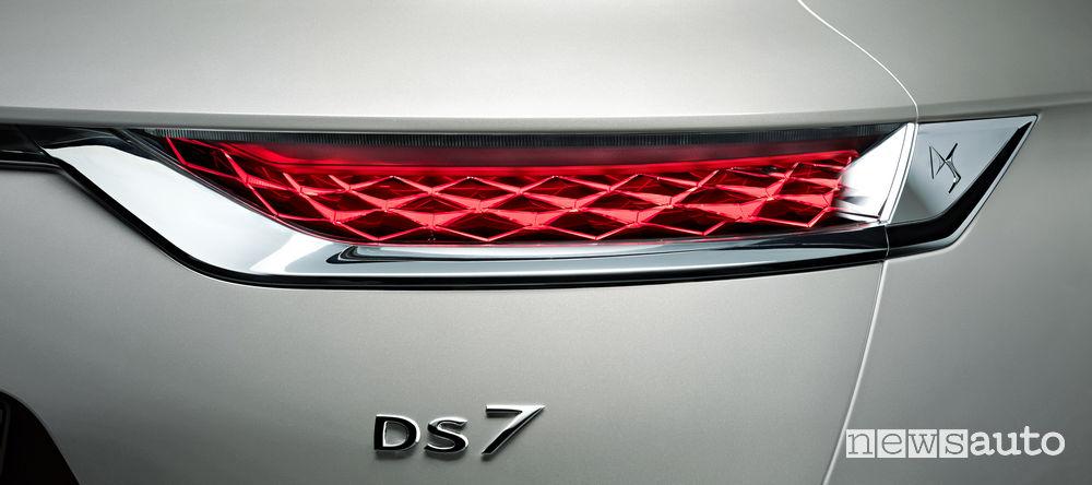 DS 7_Crossback E-Tense 4x4, faro posteriore