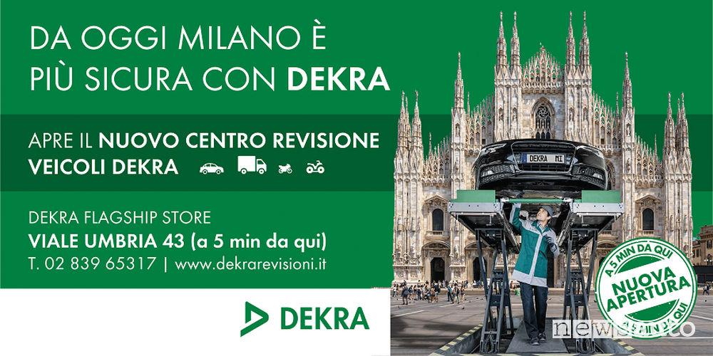 Manifesto pubblicitario Centro revisione auto, Dekra Flagship Store