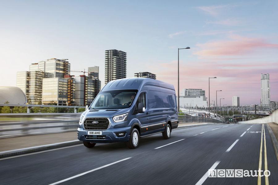 Nuovo Ford_Transit 2019, vista di profilo
