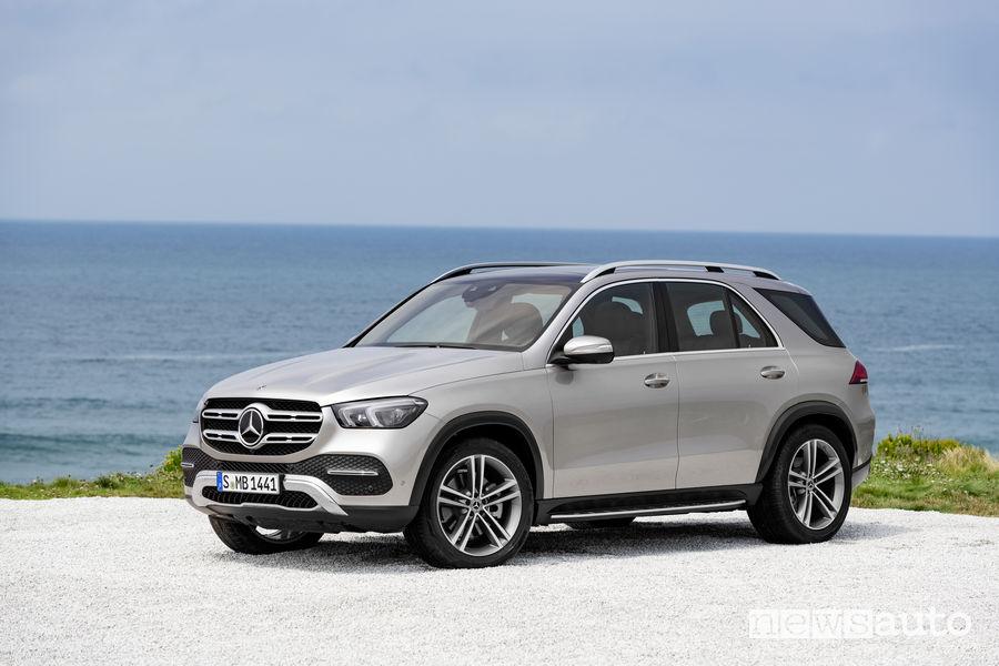 Mercedes-Benz GLE 2019, vista di profilo