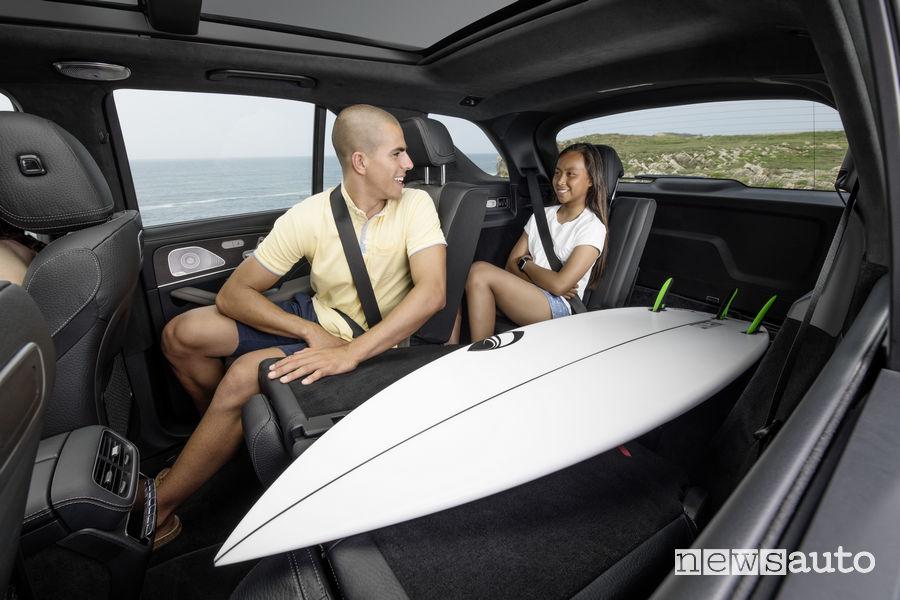 Mercedes-Benz GLE 2019, spazio a bordo per una tavola di surf