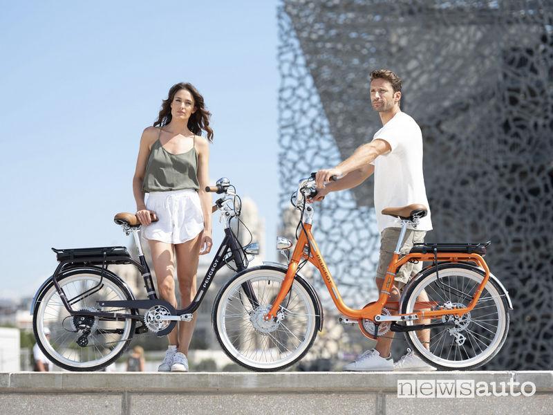 Bicicletta elettrica Peugeot eLC01 dallo stile retrò