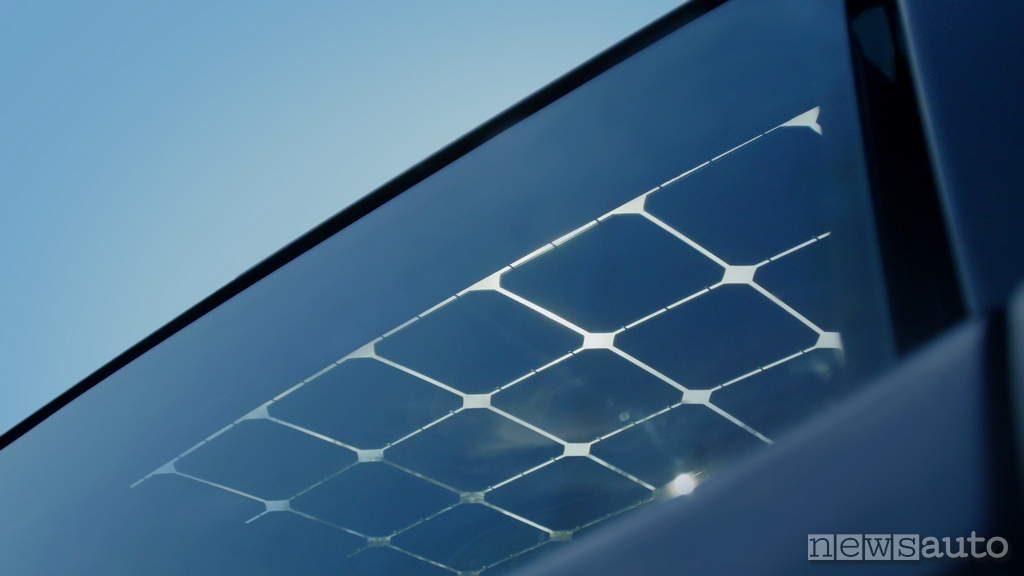 Sono Motors Sion 2019 dettaglio pannello solare auto elettrica