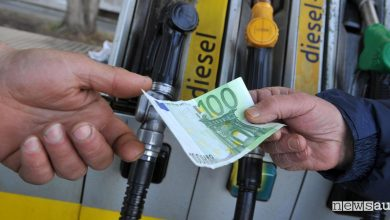 Photo of Prezzi benzina e diesel, rincari del carburante a  Pasqua