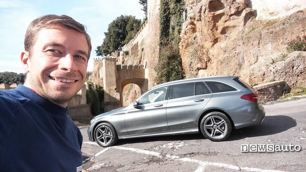 Mercedes Classe C 2018 wagon vista laterale con Marco Paternostro