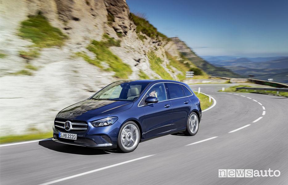 Mercedes-Benz Classe B 2019 blue, vista di profilo