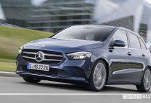 Nuova Mercedes Classe B 2019 blue, vista di profilo