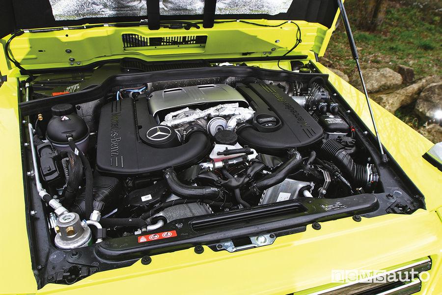 Mercedes G 500 4x4² (al quadrato), vano motore V8 4.0 422 CV