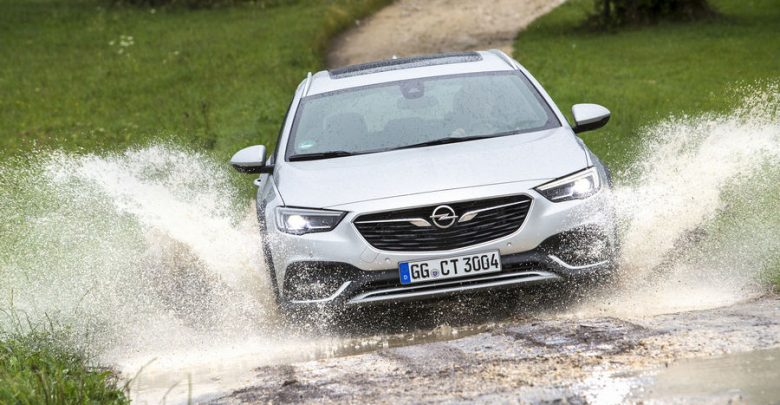 Opel Insignia Country Tourer offroad